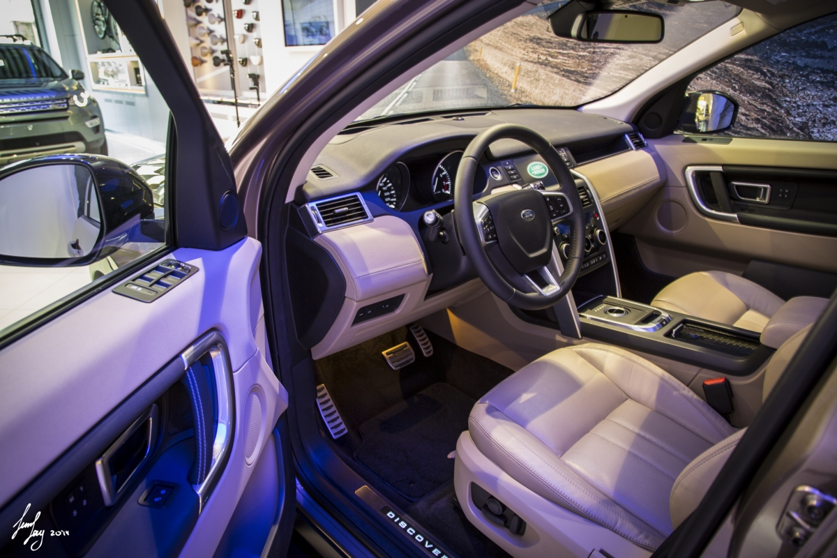 Discovery Sport 2015 car leader