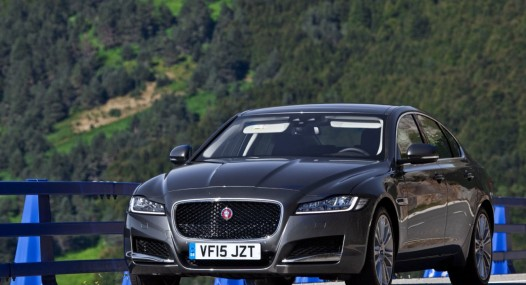 Jaguar XF 2016 car leader